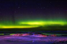 Aurora Australis:Südlicht über der australischen Antarktis-Forschungsstation Casey: Spektakel am Himmel