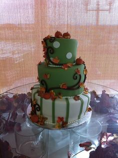 Autumn's Cake - Fall-themed wedding cake inspired by a photo the bride found. Gumpaste autumn leaves and homemade fondant. Fall Theme Cakes, Fall Cakes, Themed Wedding Cakes, Themed Cakes, Autumn Theme, Autumn Cake, Homemade Fondant, Gum Paste, Autumn Leaves