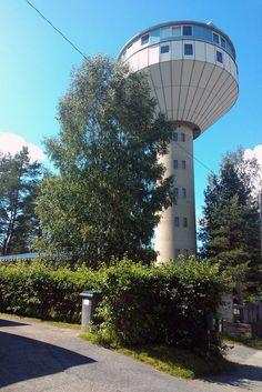 Nilsiän vanha vesitorni koko komeudessaan. Kaikki kuvat voi klikata suuremmiksi.