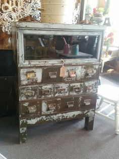 This is soo dreamy. Natural patina and chipped paint.