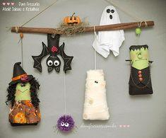 Penduricalho Halloween com bruxa, morcego, múmia, fantasma, frankenstein, aranha e abóbora