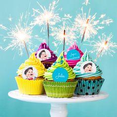 décorez vos cupcakes avec vos photos et vos textes grâce à ce 100% vous spécial stickers Cupcakes, Cupcake Cookies, Meal Calendar, Cupcake Bakery, Holidays And Events, Stickers, Greeting Cards, Photos, Christmas Ornaments