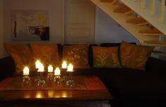 Vaateviidakko: Sohvatyynyt ruiskumaalatusta kankaasta Handmade Decorations, Reuse, Diy Furniture, Recycling, Interiors, Home Decor, Decoration Home, Room Decor, Handmade Furniture