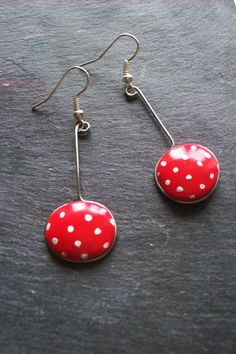 Peas drop earring white and red earrings rounde by BOUCLELLA, €10.00