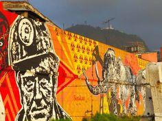 15. Por encima de este Graffiti se puede ver Monserrate. Street Smart, Fair Grounds, Country, Fun, Travel, Color, Hall Runner, Art Boards, Bogota Colombia