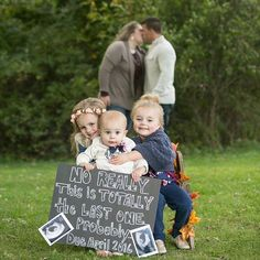 15 ideas for including older siblings in a pregnancy announcement