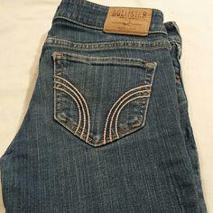 Hollister California Skinny Jeans HOLLISTER CALIFORNIA SKINNY JEANS SIZE W 27 L 31 PREOWNED 98% COTTON & 2 % ELASTAM Hollister Jeans Skinny