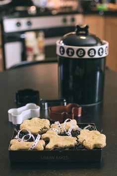 URBAN BAKES - Peanut Butter Dog Biscuits