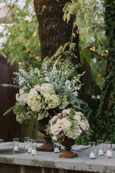 rustic wedding centerpiece idea; photo: The Edges Wedding Photography