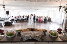 Häämenu katettuna ravintola Wanha Bäckbyssä Table Settings, Wedding Photography, Weddings, Table Decorations, Furniture, Home Decor, Decoration Home, Room Decor, Wedding