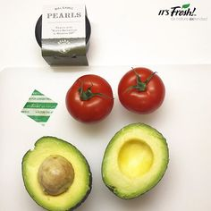 Keep them #Fresh with It's Fresh!🍃 air filter from #supermarket to #home always fresh and #readytoeat #avocados #tomatoes in your home. Refreshing #healthylunch in preparation. #avocado #tomatoe #🥑 #🍅 #health #green #salad #lunch #FreshProduce #farmtofork #farmtotable #retail #supplychain #eatwell #healthysnack #healthyeating #recipes #food #meal #lunchtime #Morrisons #villagefarms