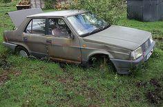 https://flic.kr/p/6Gt7jV | Rusty Fiat Regatta | The rust has taken hold of the driver's door of this old Fiat Regatta.
