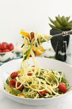 Roasted Pepper Zucchini Pasta with Balsamic Roasted Tomatoes, Baby Arugula and Toasted Pine Nuts #inspiralized