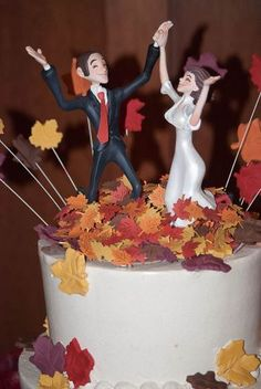 Dancing/Fall Cake Topper from Aizlyne Photo: