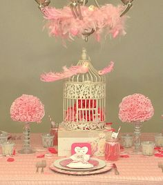 """Great """"love birds"""" Valentine's Day table"""
