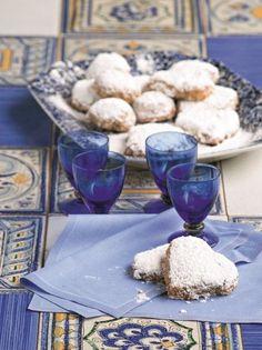 Ροζέδες από τα Κύθηρα #ροζέδες Sweets, Vegan, Table Decorations, Desserts, Recipes, Food, Greek, Deserts, Good Stocking Stuffers