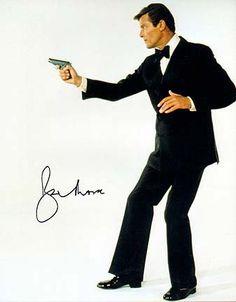 Luis es agente secreto. Luis es serio. Luis es inteligente James Bond Characters, James Bond Movies, Bond Series, Spy Who Loved Me, Best Bond, Roger Moore, Bond Girls, Tough Guy, Film Books
