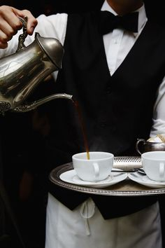 Waiter service at cafe, pouring coffee I Love Coffee, Black Coffee, Coffee Break, My Coffee, Morning Coffee, Cheap Coffee, Fresh Coffee, Chocolate Cafe, Ivy House