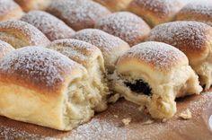 Nejlepší kynuté buchty | Apetitonline.cz Slovak Recipes, Czech Recipes, Hungarian Recipes, Czech Desserts, No Cook Desserts, Dessert Recipes, Just Bake, Bread And Pastries, Special Recipes