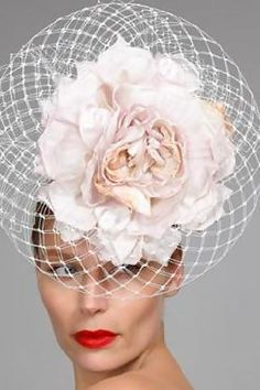 Celebrities who wear, use, or own Philip Treacy Spring 2010 Hat. Also discover the movies, TV shows, and events associated with Philip Treacy Spring 2010 Hat. Bridal Hat, Bridal Headpieces, Fascinators, Image Fashion, Fashion Fashion, Caroline Reboux, Philip Treacy Hats, Kentucky Derby Hats, Fancy Hats