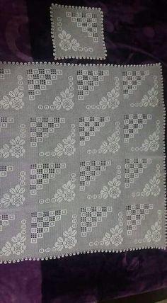 Dantel Mutfak Takımı Modelleri Dantel Mutfak Takımı Modelleri Buzdalabi örtüsü olarak örülen bir dantel model bunu Kayseride bir çeyizcide çekmistim fakat adini hatırlaya...  #Dantel #DantelMutfakTakımı #dantelmutfaktakımımodelleri #dantelmutfaktakımıörnekleri Thread Crochet, Crochet Granny, Filet Crochet, Irish Crochet, Crochet Lace, Crochet Decoration, Crochet Tablecloth, Doilies, Crochet Projects