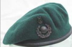 "Royal Marines ""Green, color of envy and passion! British Royal Marines, British Armed Forces, British Army, Army Beret, Marine Commandos, Falklands War, Military Cap, Green Beret, Headgear"