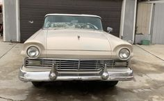 Retractable Hardtop: 1957 Ford Fairlane 500 Skyliner – Barn Finds