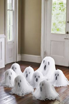 52 frighteningly easy halloween crafts halloween ghostshomemade halloween decorationshalloween