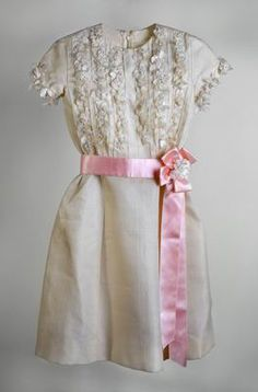 Dress for a Bat Mitzvah ceremony. Rome, Italy, Photo © Israel Museum, Jerusalem, by Elie Posner. Bat Mitzvah, Historical Clothing, Beautiful Images, Contemporary Design, Catwalk, Formal Dresses, Rome Italy, Jerusalem, Israel