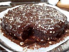 Συνταγή Σοκολατόπιτα Easy Chocolate Pie, Death By Chocolate, Chocolate Cake, Sweet Recipes, Cake Recipes, Easy Desserts, Sweet Treats, Deserts, Food And Drink
