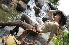Today's cosplay flips the script on Indiana Jones and proves that you don't have to be a man to get into some serious adventures. Indiana Jones Halloween Costume, Halloween Costumes, Halloween Ideas, Halloween Party, Girl Costumes, Cosplay Costumes, Costume Ideas, Indiana Jones Kostüm, Gender Bend Cosplay