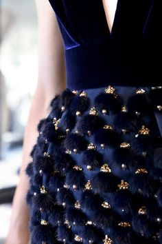 Faites le pleiη d'inspiration avec notre sélection des plus beaux pins du net à découvrir sur le βlog ► blog.naranadesign.com • Image source : @ vogue / Ralph & Russo cocktail dress