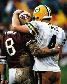 """stereoculturesociety: """"CultureSPORTS: Steve Young & Brett Favre - 1998 NFC Playoffs One of the greatest NFL photos of all time. The Green Bay Packers defeated the San Francisco in the rain. But Football, Packers Football, Sport Football, Football Players, Greenbay Packers, Nfl 49ers, School Football, Football Memes, Football Season"""