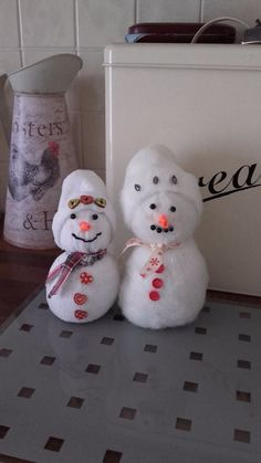 I decided to try to make little sock snowmen. I'd seen them somewhere online. I really cant remember which site. Anyway. I thought they looked cute and easy to…