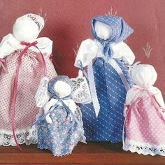 Homemaker's Journal: Pioneer Handkerchief Dolls