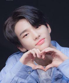 6 Likes, 0 Comments - Stray Kids Rapper, K Pop, Park Jinyoung, Felix Stray Kids, Korean Boy, Lee Know, Kpop Groups, Boyfriend Material, K Idols