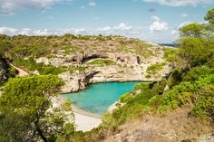 Heute lüften wir einen echten Geheimtipp. Die Traumbucht Caló des Màrmols auf Mallorca ist ein echter Geheimstrand und unberührt in der Hochsaison.