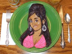 From: Funny Celebrity Lookalikes...in Pancakes (artist Katherine Kalnes). Guess who?