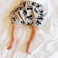 Baby bloomers pattern.