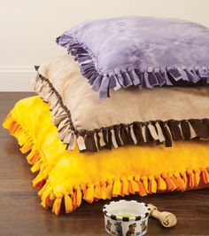 No-Sew Dog Bed. Gonna try making this since Luna destroyed her last one