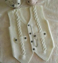 """diy_crafts- """"Knitting inspiration \""""would look great crocheted\"""", \""""Jenny Battiss Barnard\"""", \""""Unique and cute! Baby Knitting Patterns, Knitting For Kids, Crochet For Kids, Knitting Stitches, Knitting Designs, Crochet Baby, Knitted Baby, Baby Cardigan, Baby Pullover"""