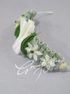 Greenfingers Ikebana, Contemporary Wedding Flowers, Prom Corsage And Boutonniere, Boutonnieres, Hair Design For Wedding, Hand Bouquet, Flower Spray, Flower Corsage, Arte Floral