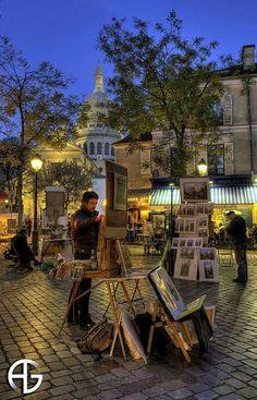 Paris, Place du Tertre Montmartre. Sacre Coeur