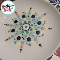 Mandala Art Lesson, Mandala Artwork, Mandala Painting, Dot Painting, Ceramic Painting, Pottery Painting Designs, Paint Designs, Arts And Crafts, Diy Crafts