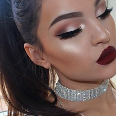 Highlight in 'Rodeo drive' (My new favorite✨✨✨) & 'Havana nights' liquid lipstick in collaboration with ❤️ I… Bride Makeup, Prom Makeup, Wedding Hair And Makeup, Eye Makeup, Makeup Goals, Makeup Inspo, Makeup Inspiration, Heavy Makeup, Full Face Makeup
