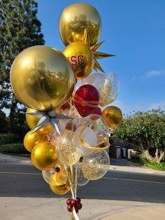 Balloon Bouquet, Bouquets, Christmas Bulbs, Balloons, World, Holiday Decor, Home Decor, Globe Decor, Hipster Stuff