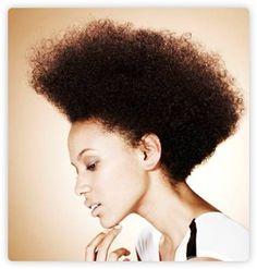 Là, normalement, vous pensez, pas de shampooing = cradingue... Sauf que non, les après-shampooings contiennent des agents lavants en quantité suffisante pour laver les cheveux bouclés sans les assécher.  Mais il ne faut pas utiliser n'importe quel après-shampooing... Petite selection a venir!!!