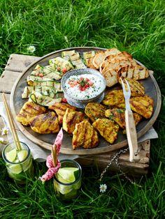 Grillrezepte-Grillplatte-mit-Haehnchen-und-Zucchini