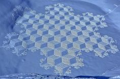 simon beck snow art- Wish I had that kind of patience. And it can be gone within hours or days.