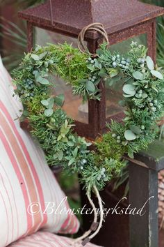 I would love to make a heart wreath like this out of eucalyptus, juniper and green moss. There are no instructions at the end of this link, so I'm going to have to figure it out on my own.